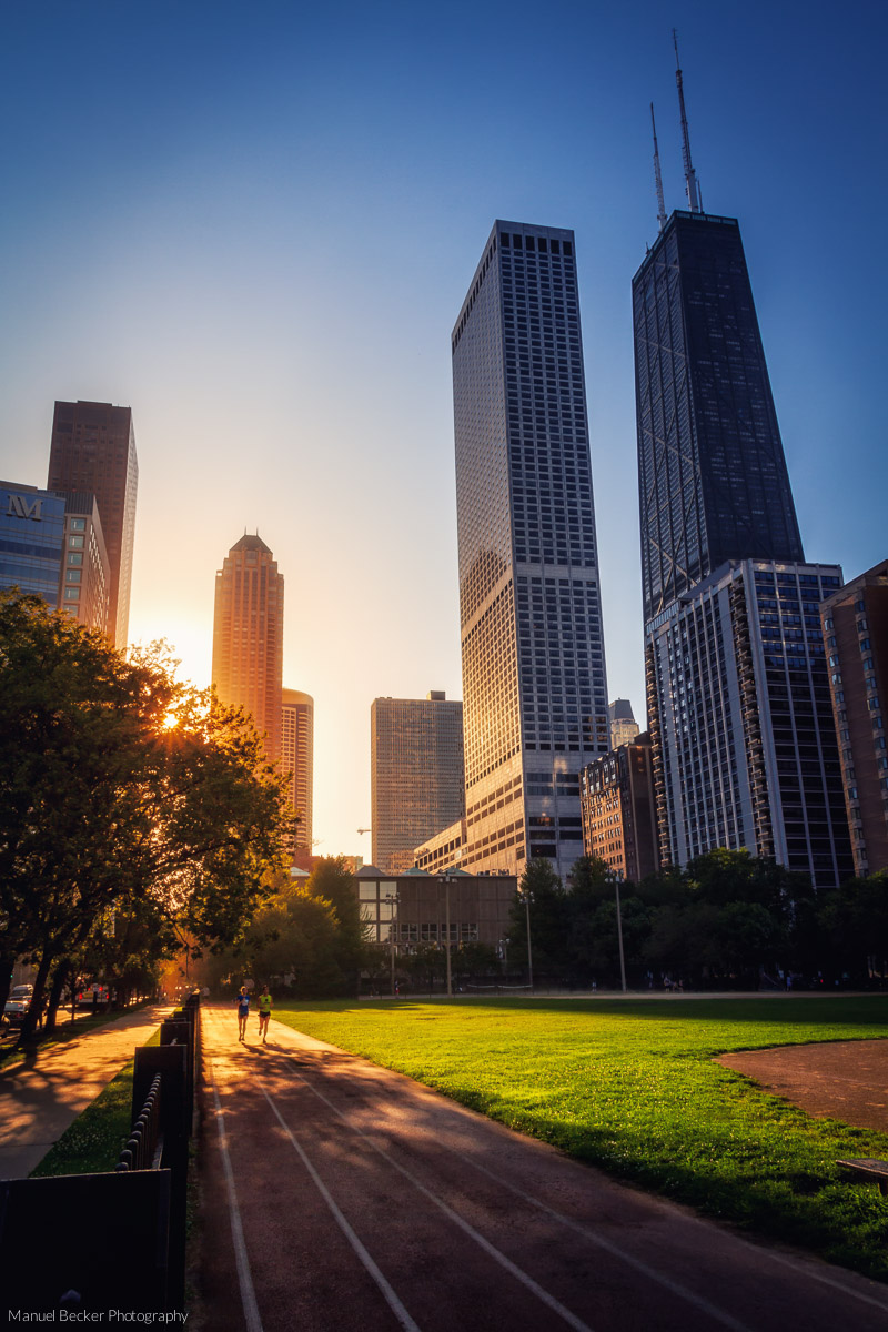 Sunset jogging in Chicago, USA