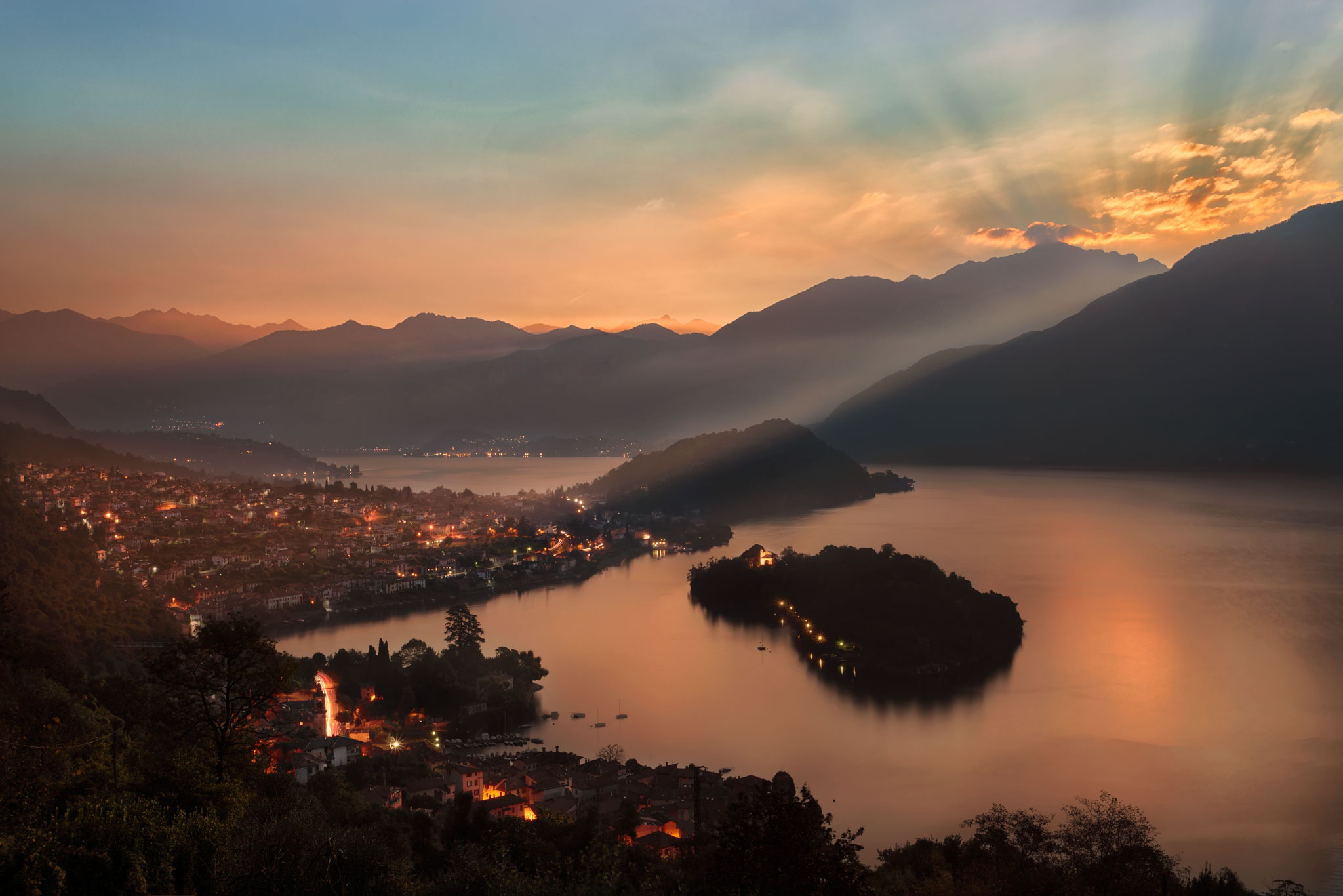 Wake up autumn - Lake Como, Italy