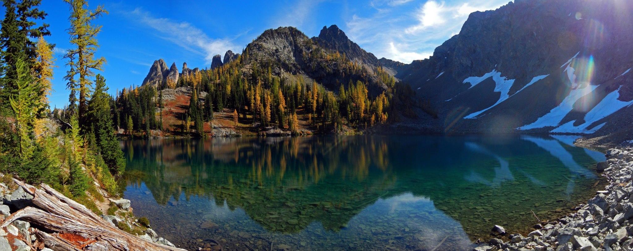 Blue Lake, North Cascades, Washington, USA