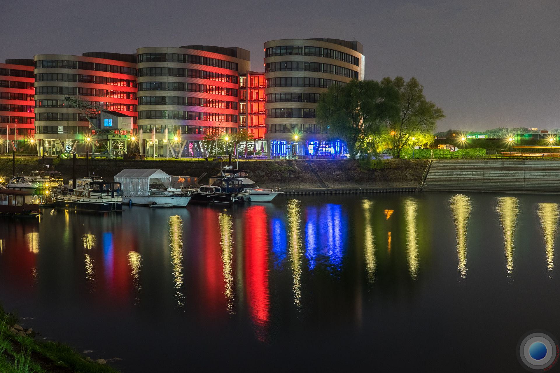 5 Boats in Blue and Red, Germany