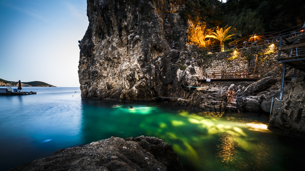 La Grotta, Greece