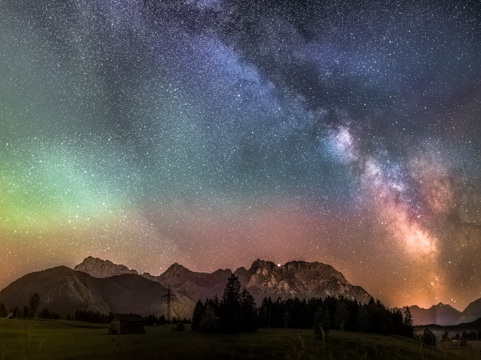 Airglow in Mittenwald, Germany