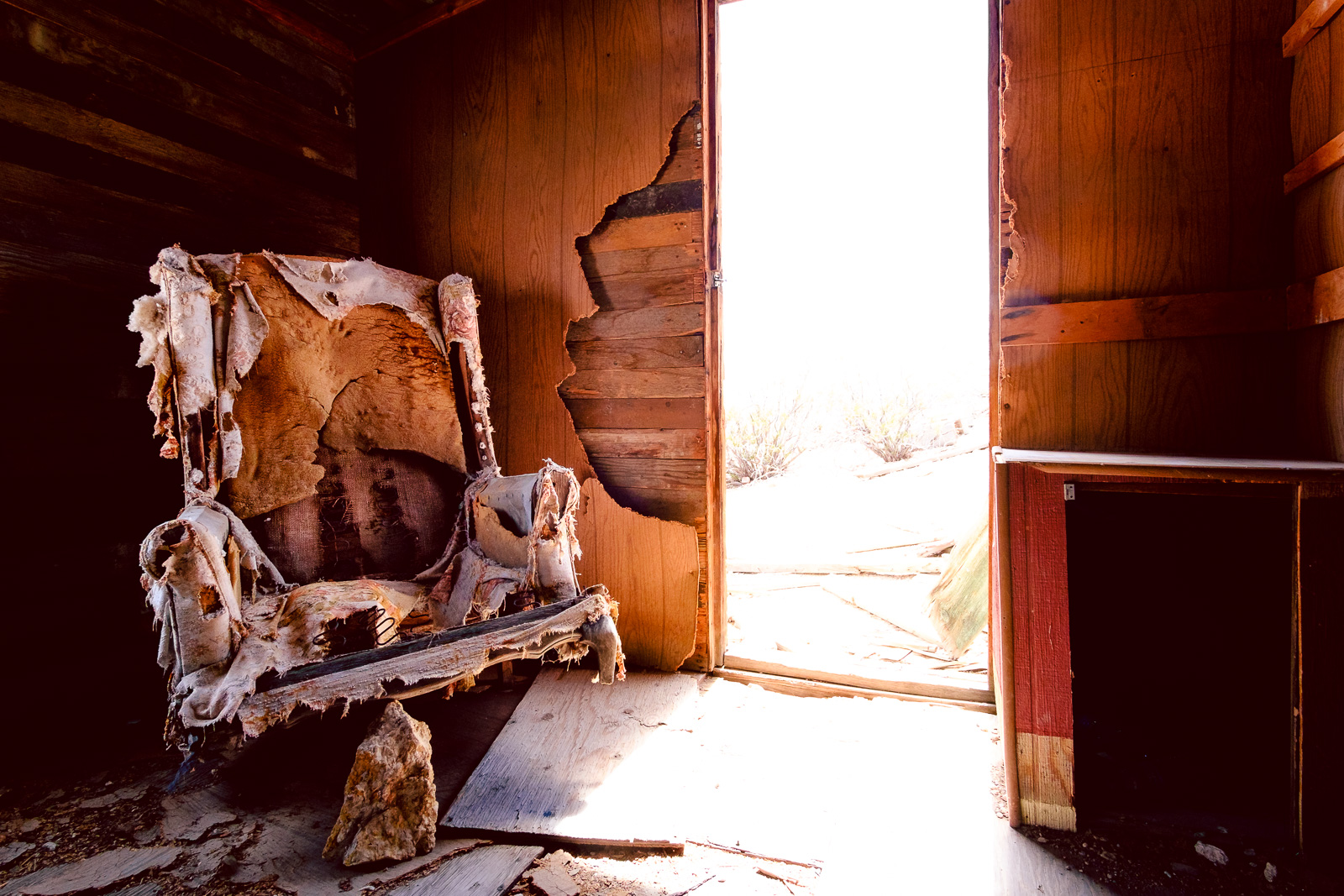 Ghost Town Rhyolite - Freaky Chair, USA