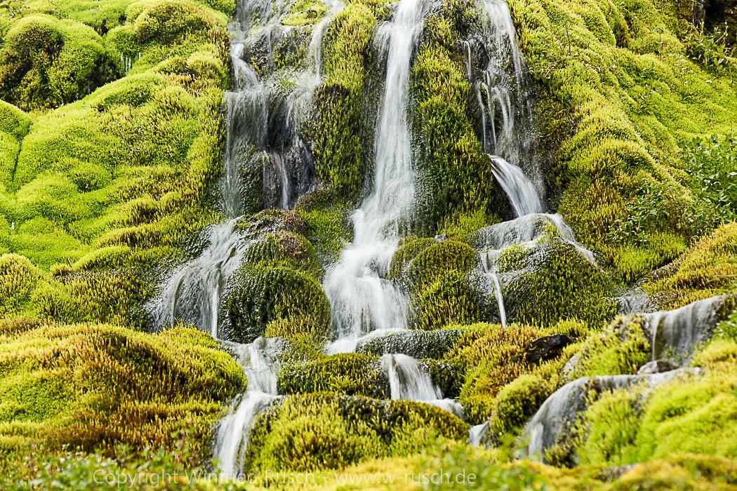 kleiner Wasserfall bei Hnjótur, Iceland