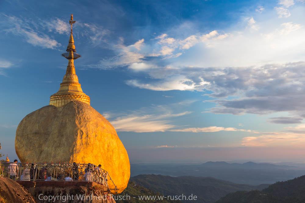 Sonnenuntergang am Goldenen Felsen, Myanmar