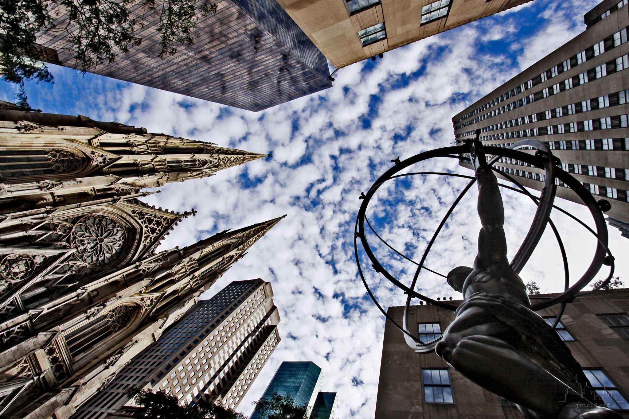 Atlas statue at the Rockefeller Center, USA