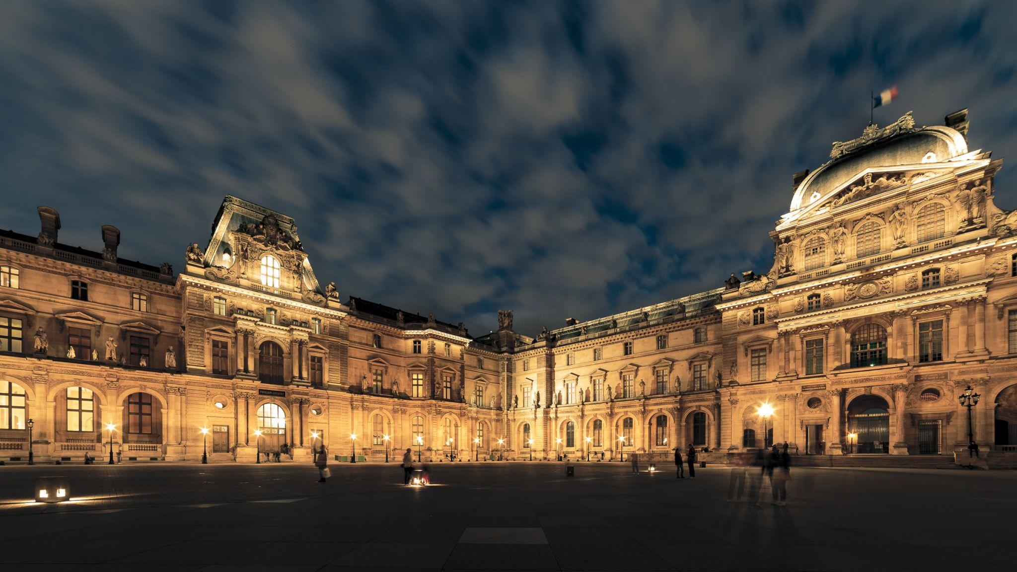 Otherside, Louvre, France