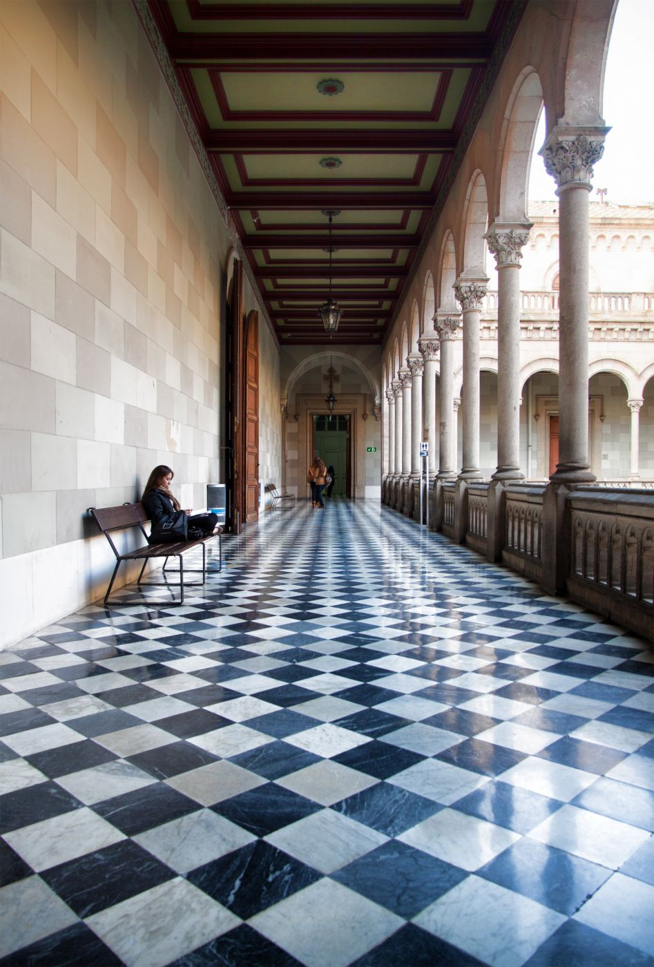 Universitat de Barcelona, Spain