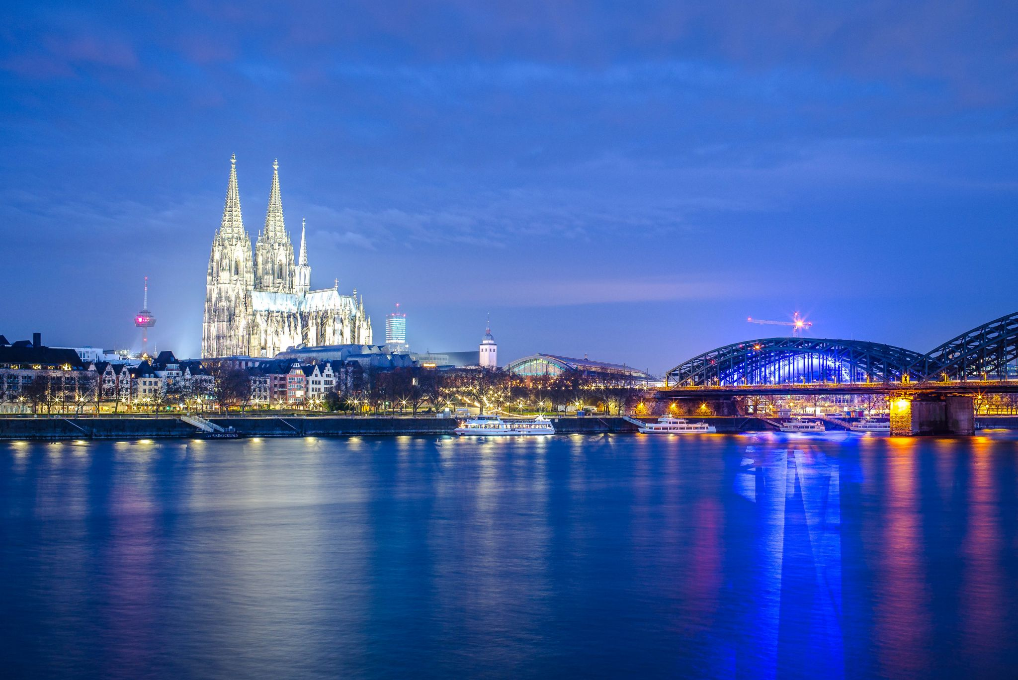 Cologne, Deutzer Rheinufer, Cathedral and Bridge view, Germany
