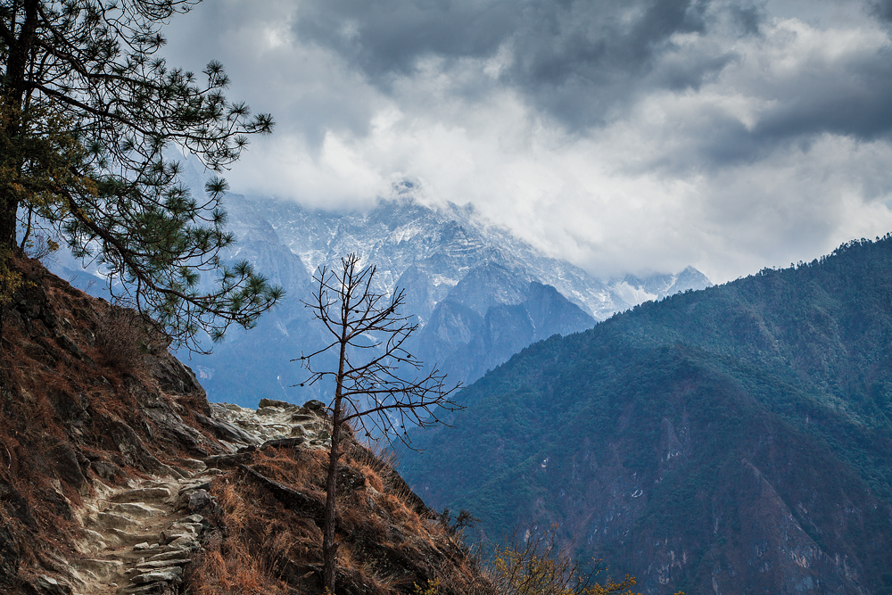 Along the Tiger leaping gorge, China
