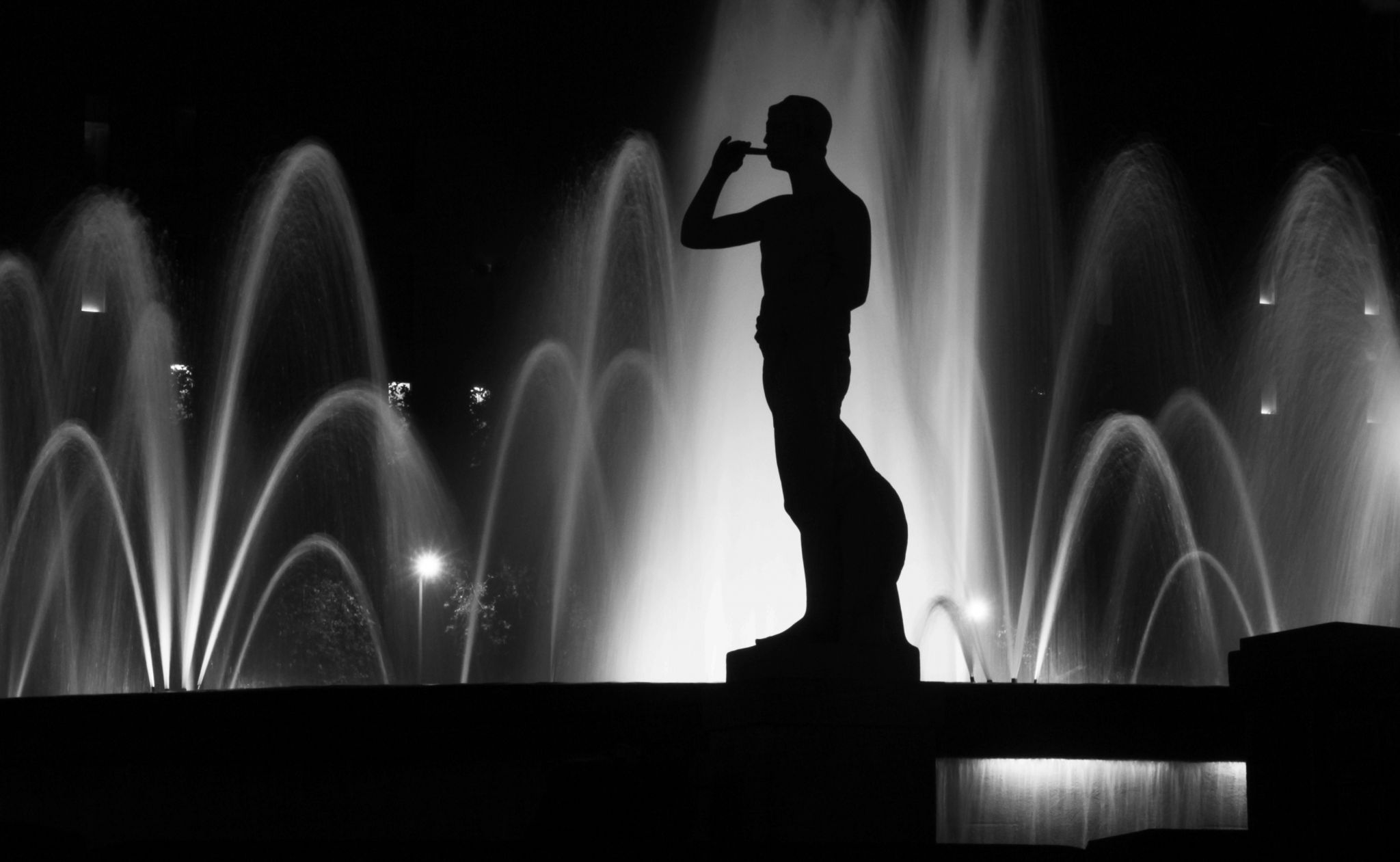 Statue @ Placa Catalunya, Spain