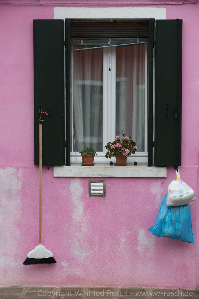 Fensterbild, Italy
