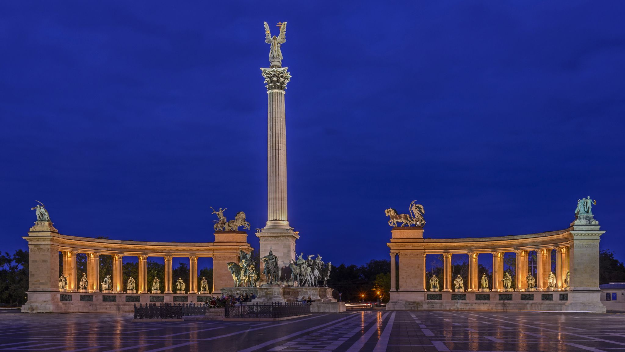 Heroes Square, Hungary