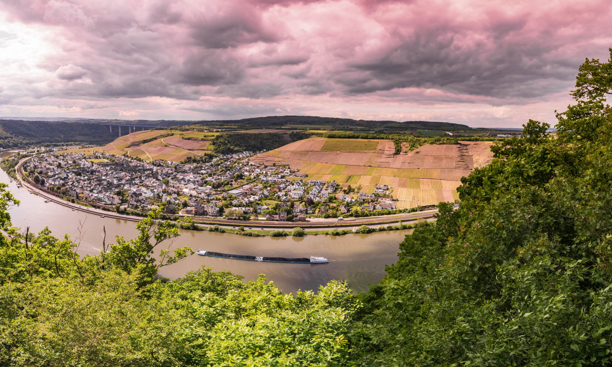 'Carolaturm' über Koblenz-Lay, Germany