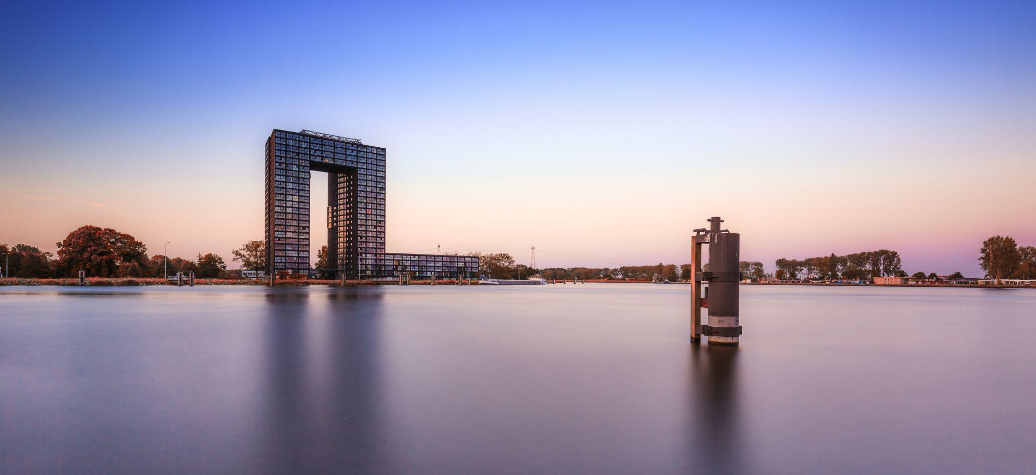 Tasman Toren, Netherlands