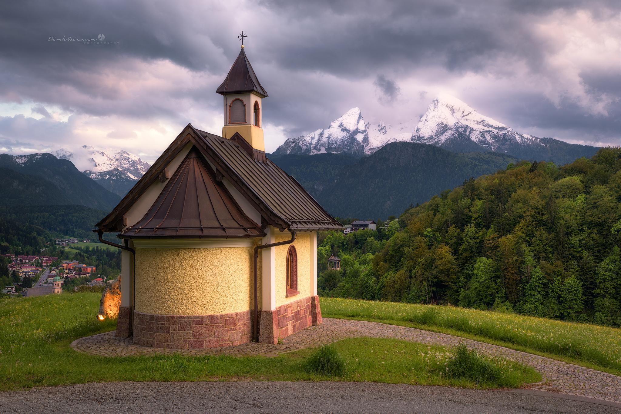 Lockstein chapel in front of Watzmann (Berchtesgaden), Germany