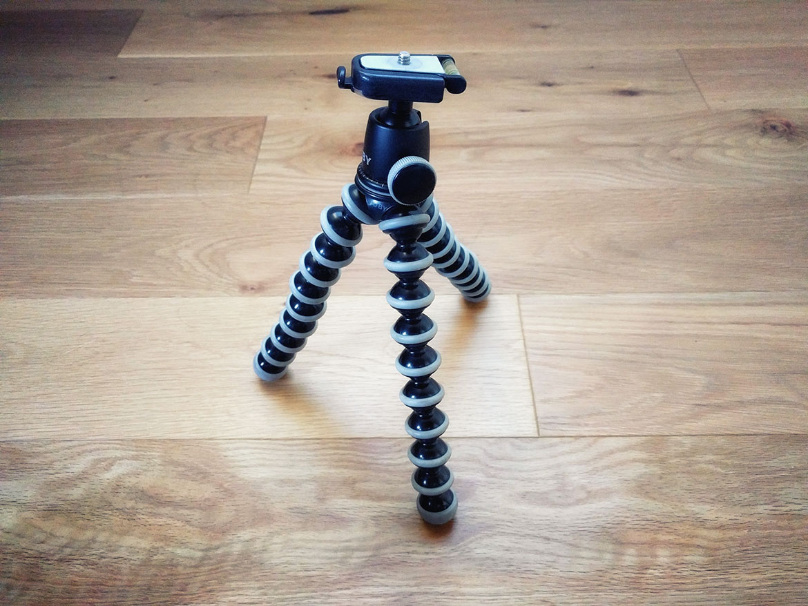 Carbon Fiber vs Aluminium Tripod - which one is better for you?