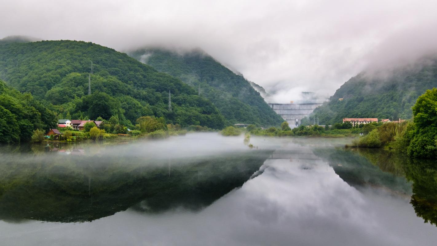 Tarnita dam, Romania