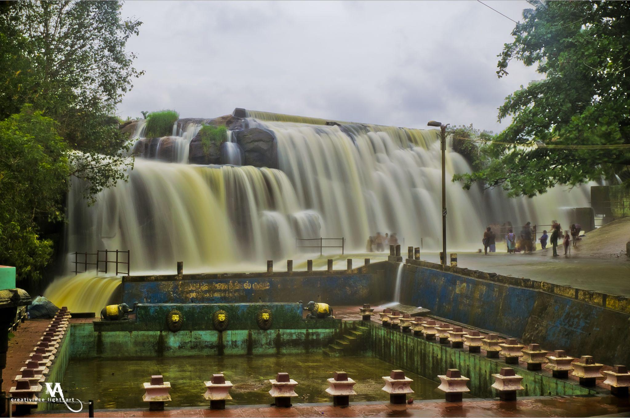 Thirparappu Waterfalls, India