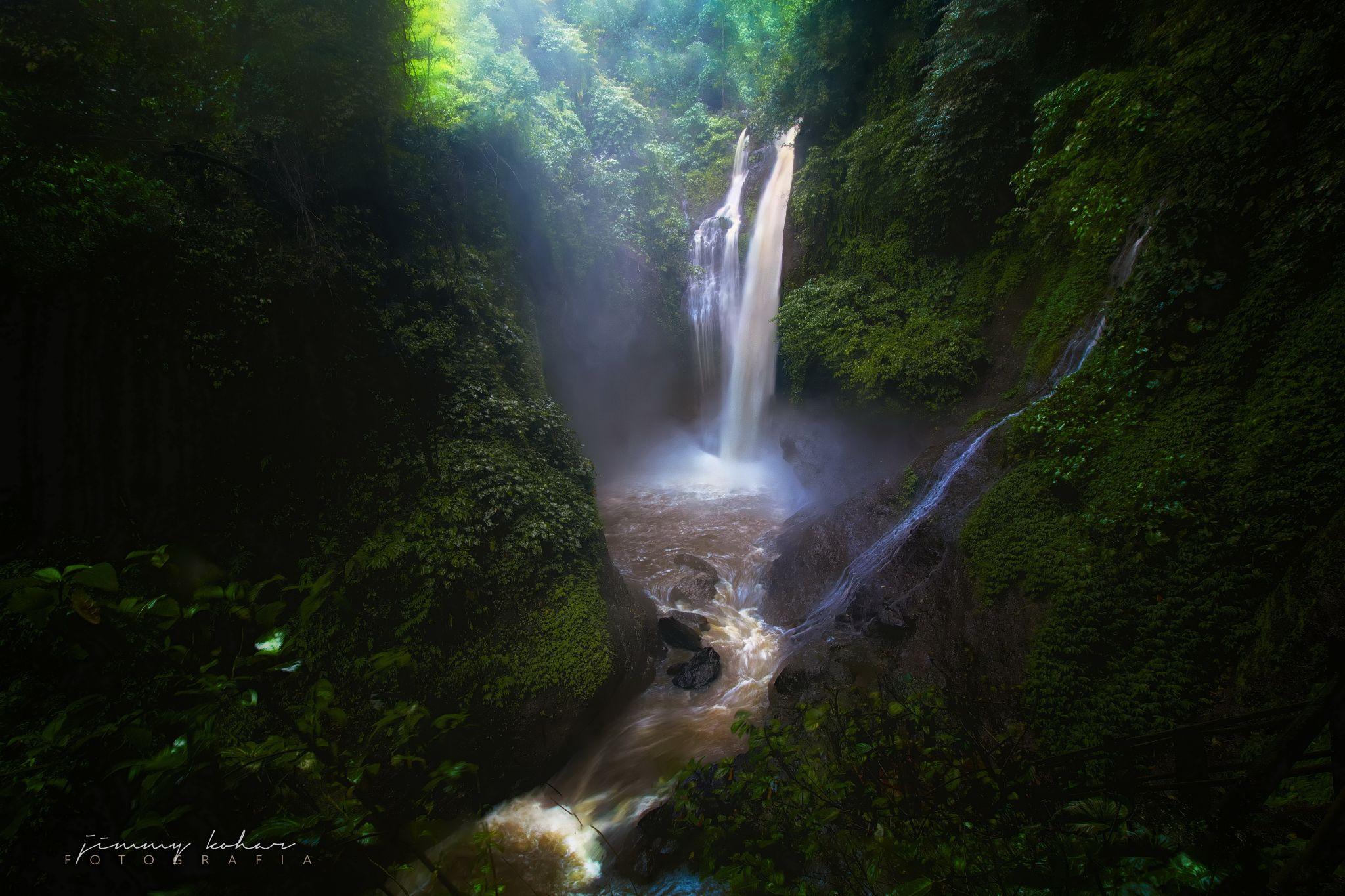 Aling-Aling Waterfall, Indonesia