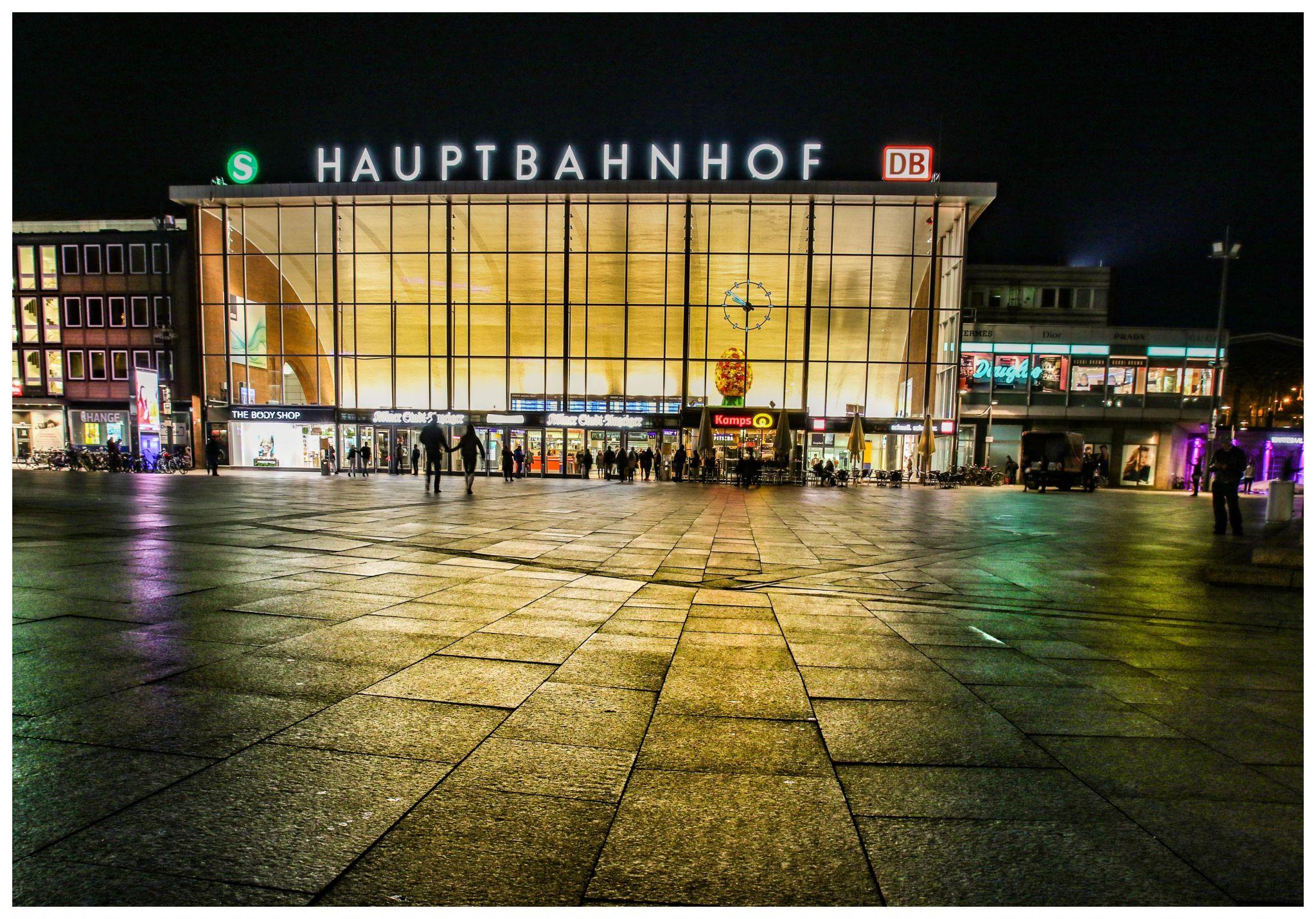Hauptbahnhof/Central Statio, Germany