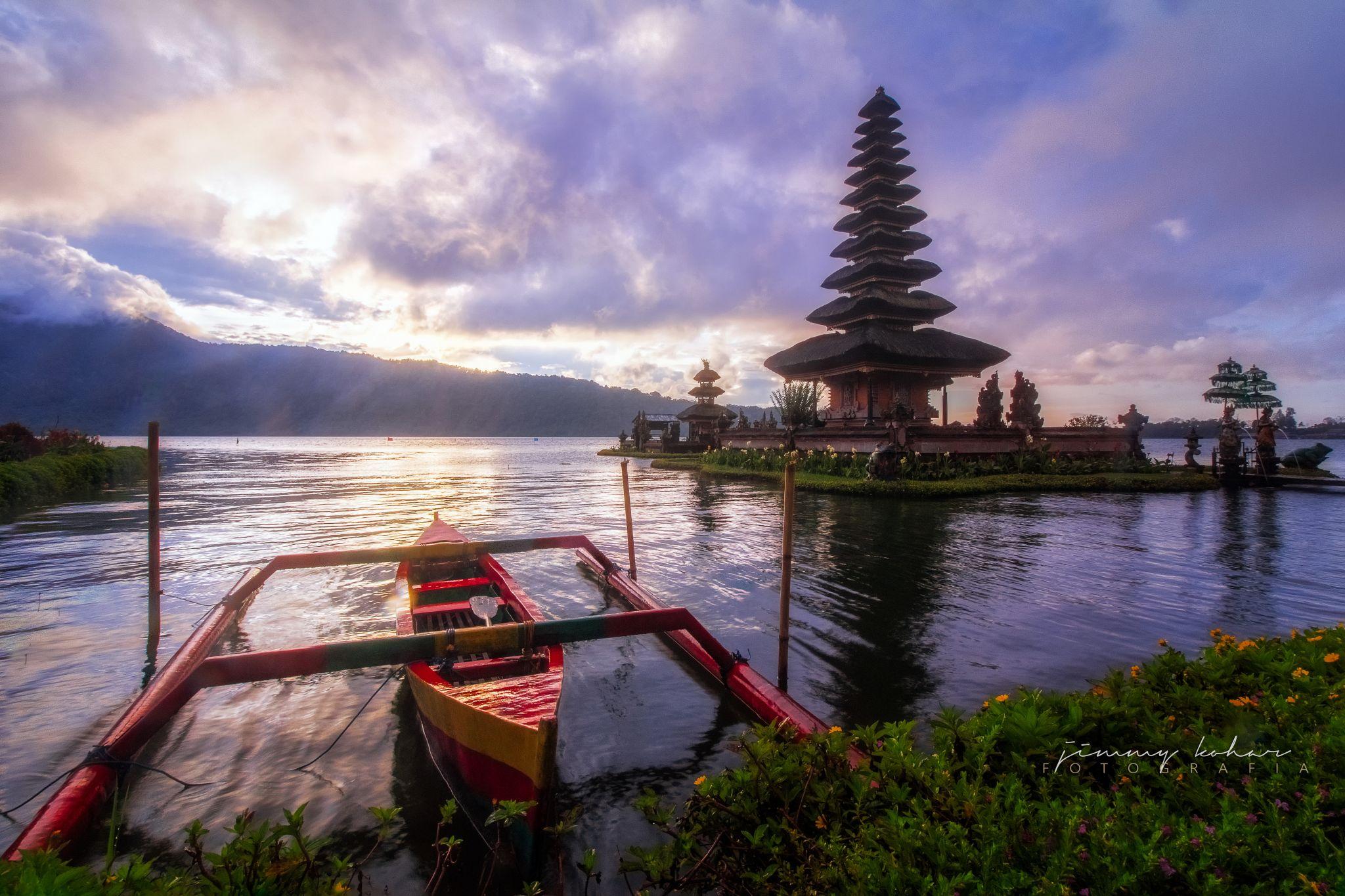 Ulun Danu Bratan Temple, Indonesia