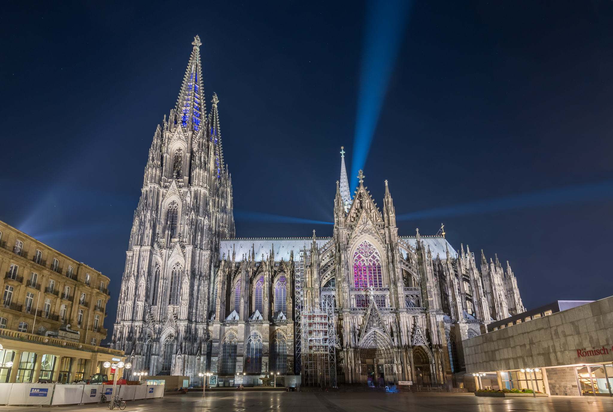 Roncalliplatz toward Cologne Cathedral, Germany