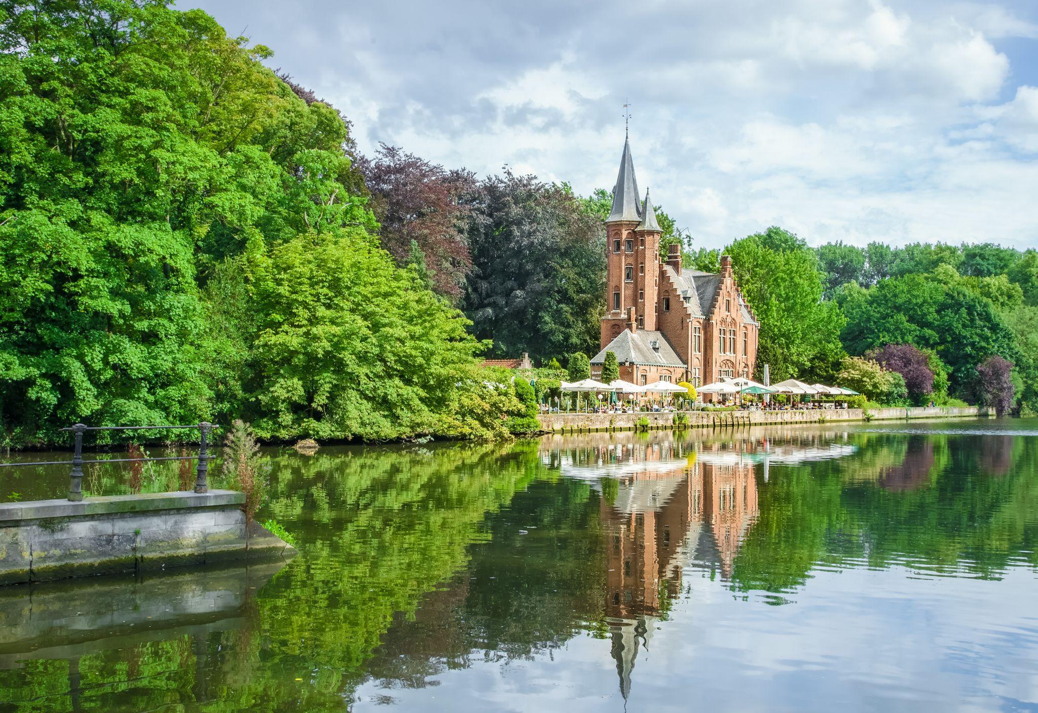 Kasteel Minnewater, Belgium