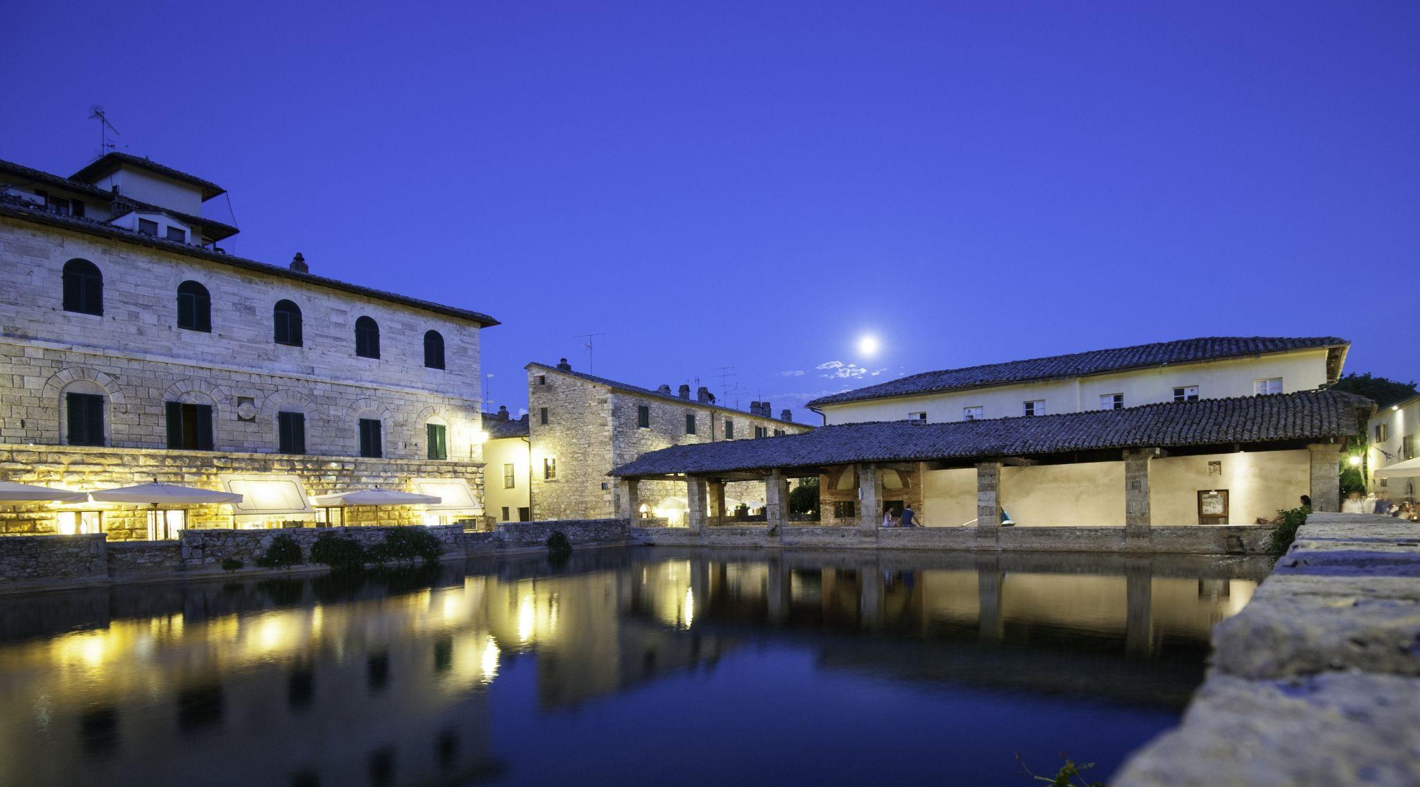 Bagno Vignoni Terme Romane Italy