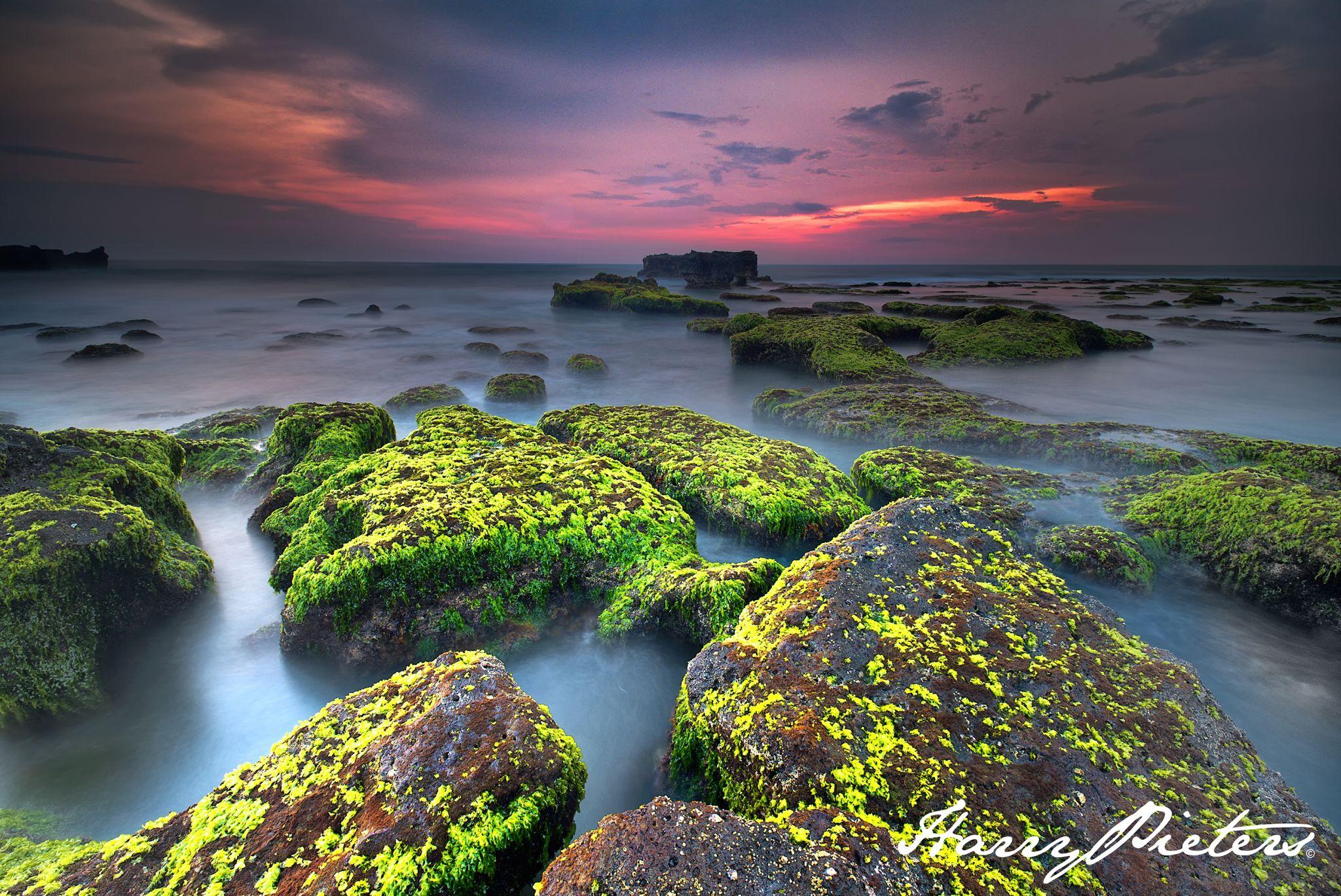 Mengening Rocks, Indonesia