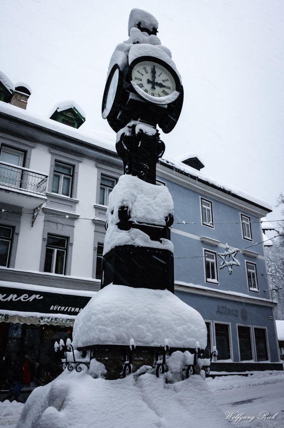 Lössl Uhr, Austria