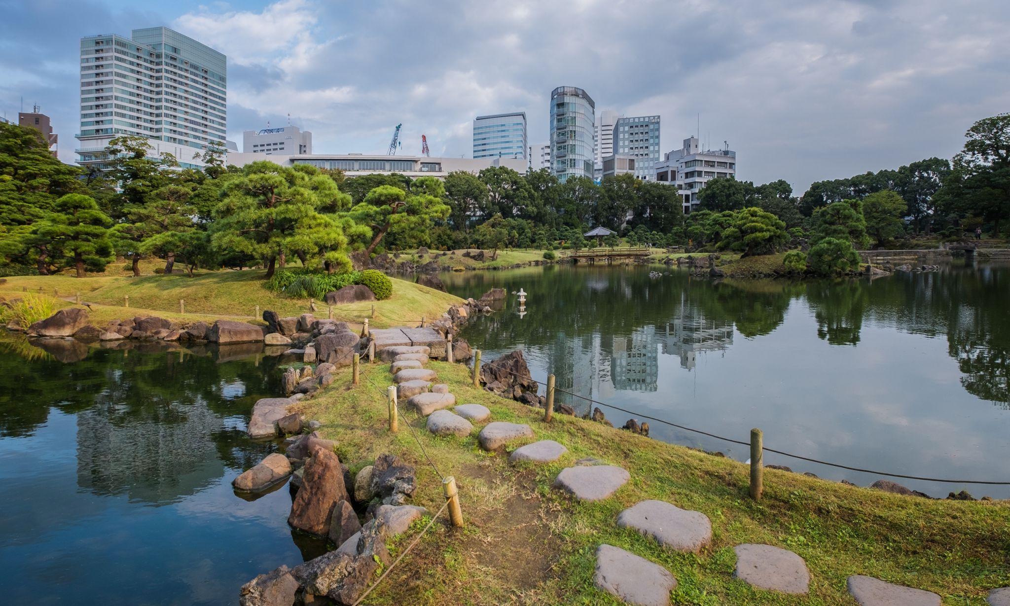 Hamarikyu Garden, Tokyo, Japan