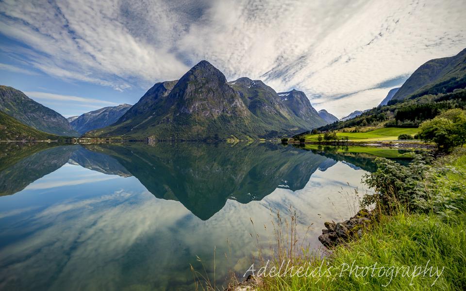 Mountain Symmetry, Norway