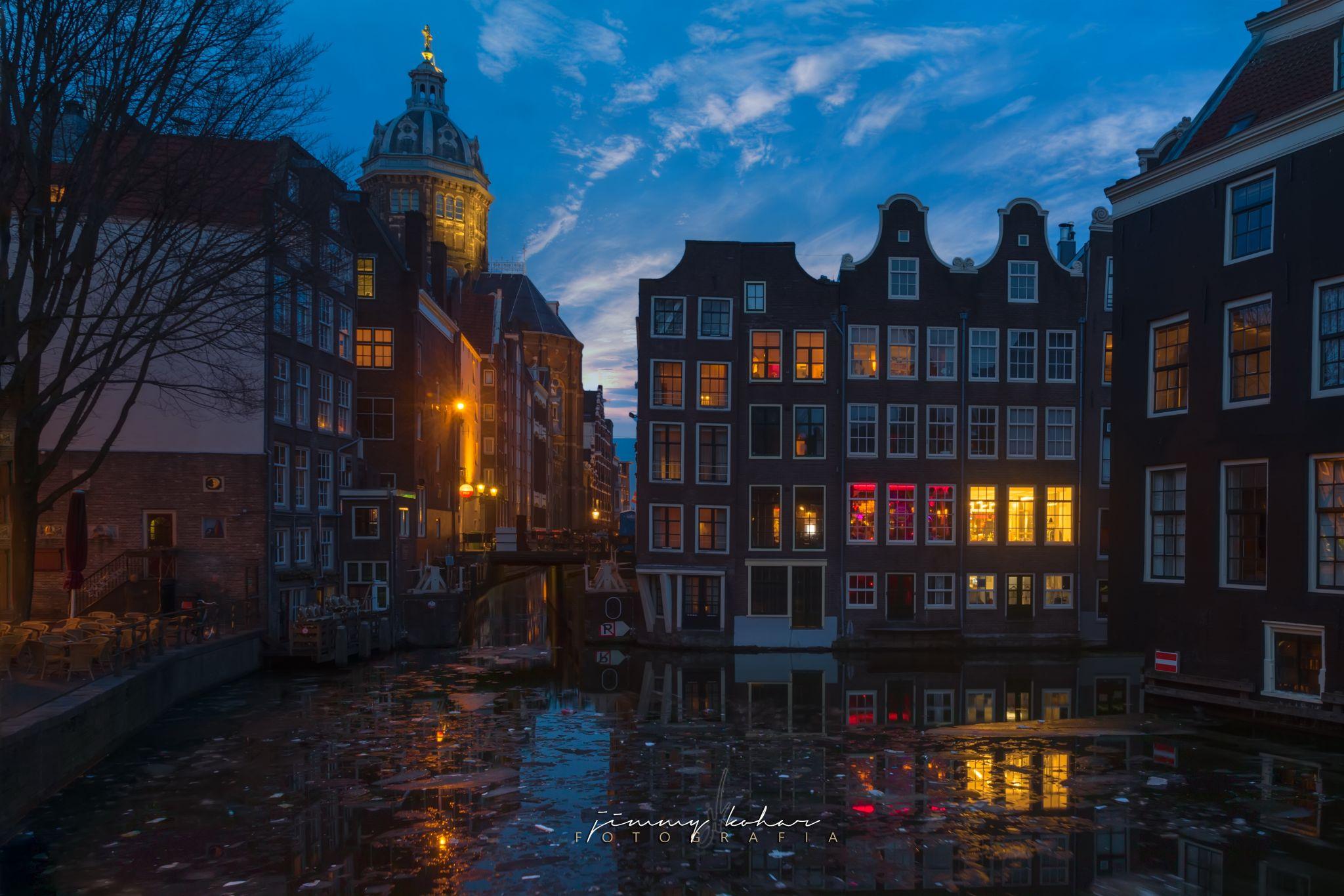 Oudezijds Voorburgwal, Amsterdam Central, Netherlands