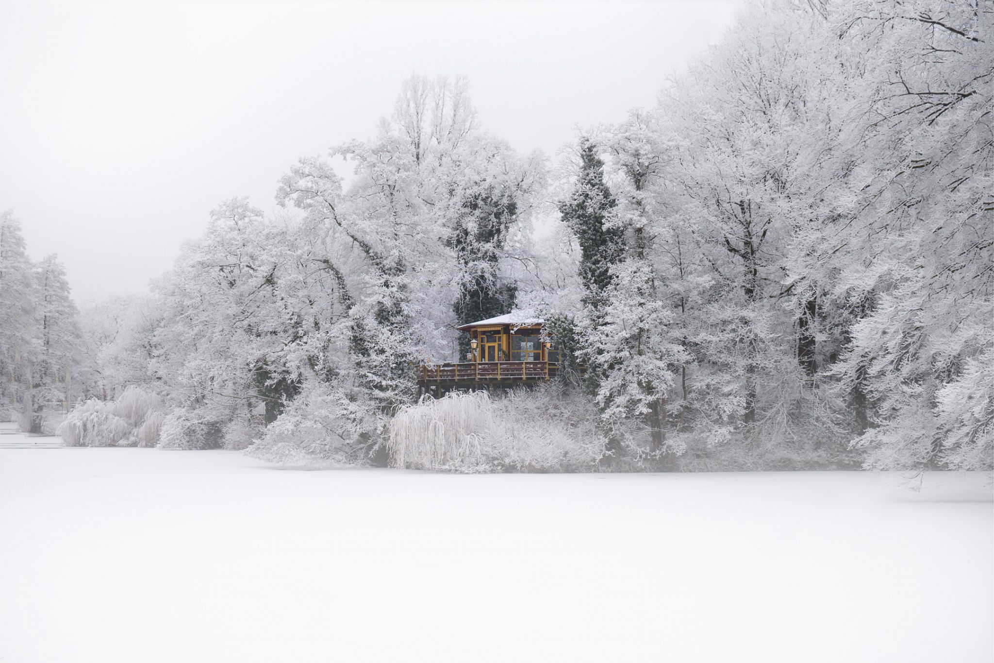 restaurant the pavilion on bird island during winter snow. Black Bedroom Furniture Sets. Home Design Ideas