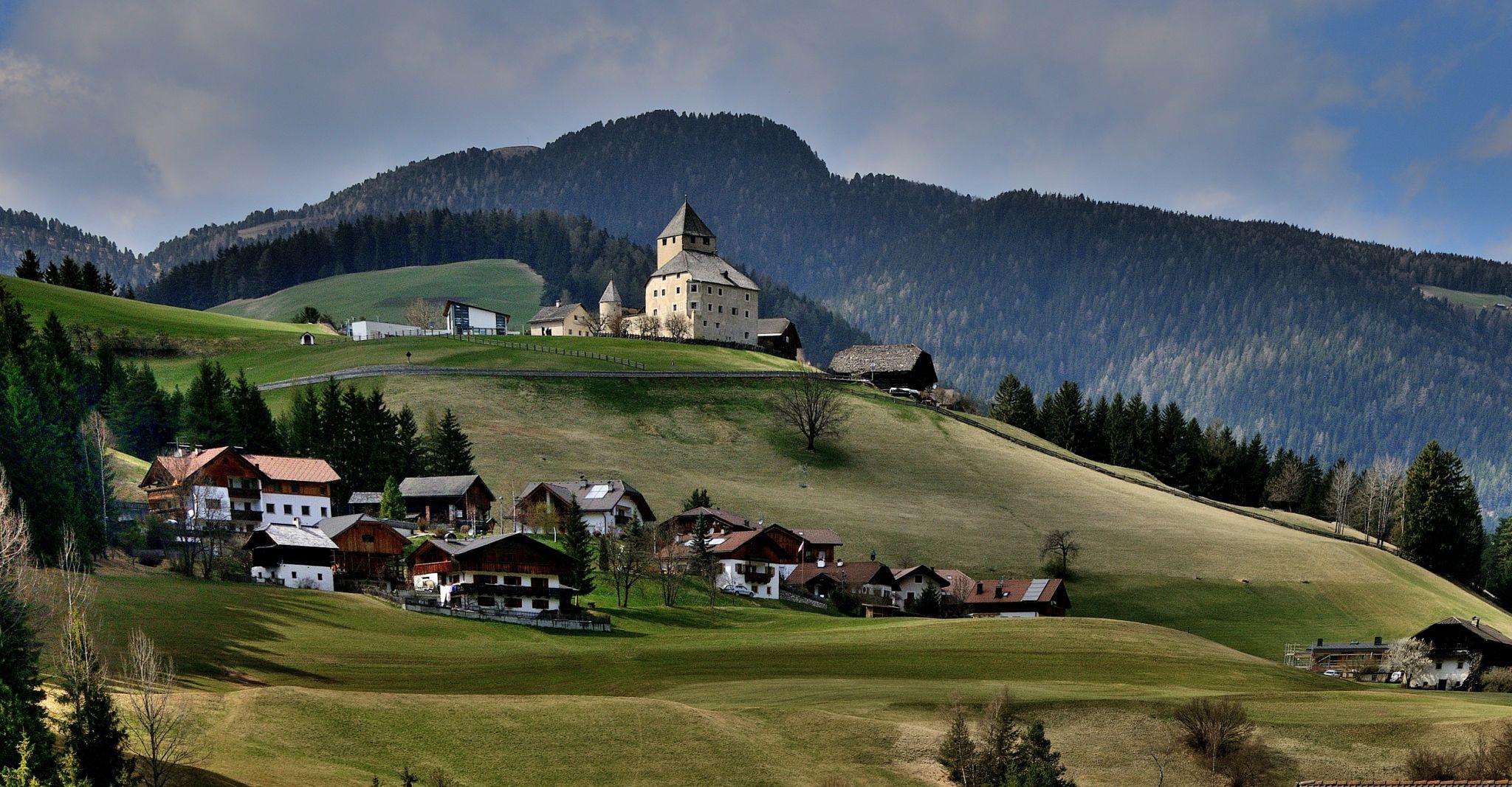 San Martino in Badia - Ćiastel de Tor, Italy