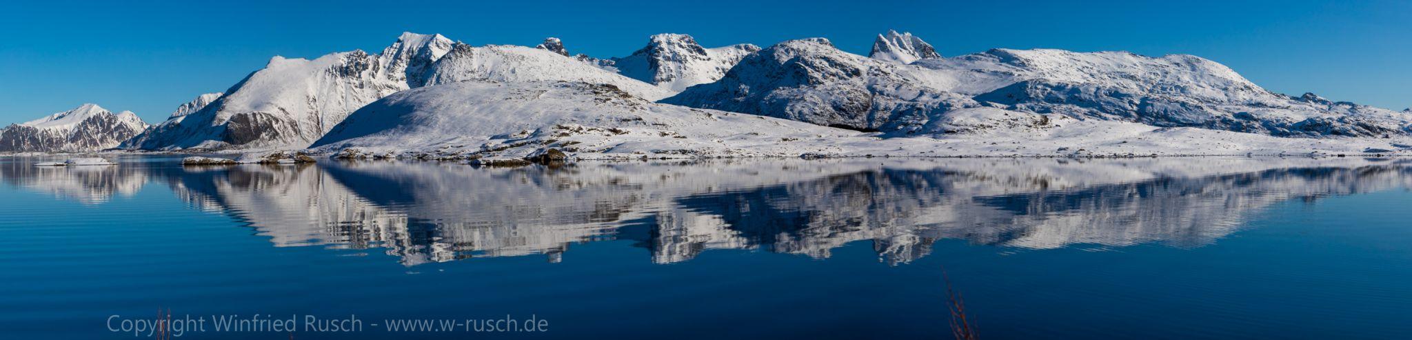 Schneeberge auf den Lofoten, Norway