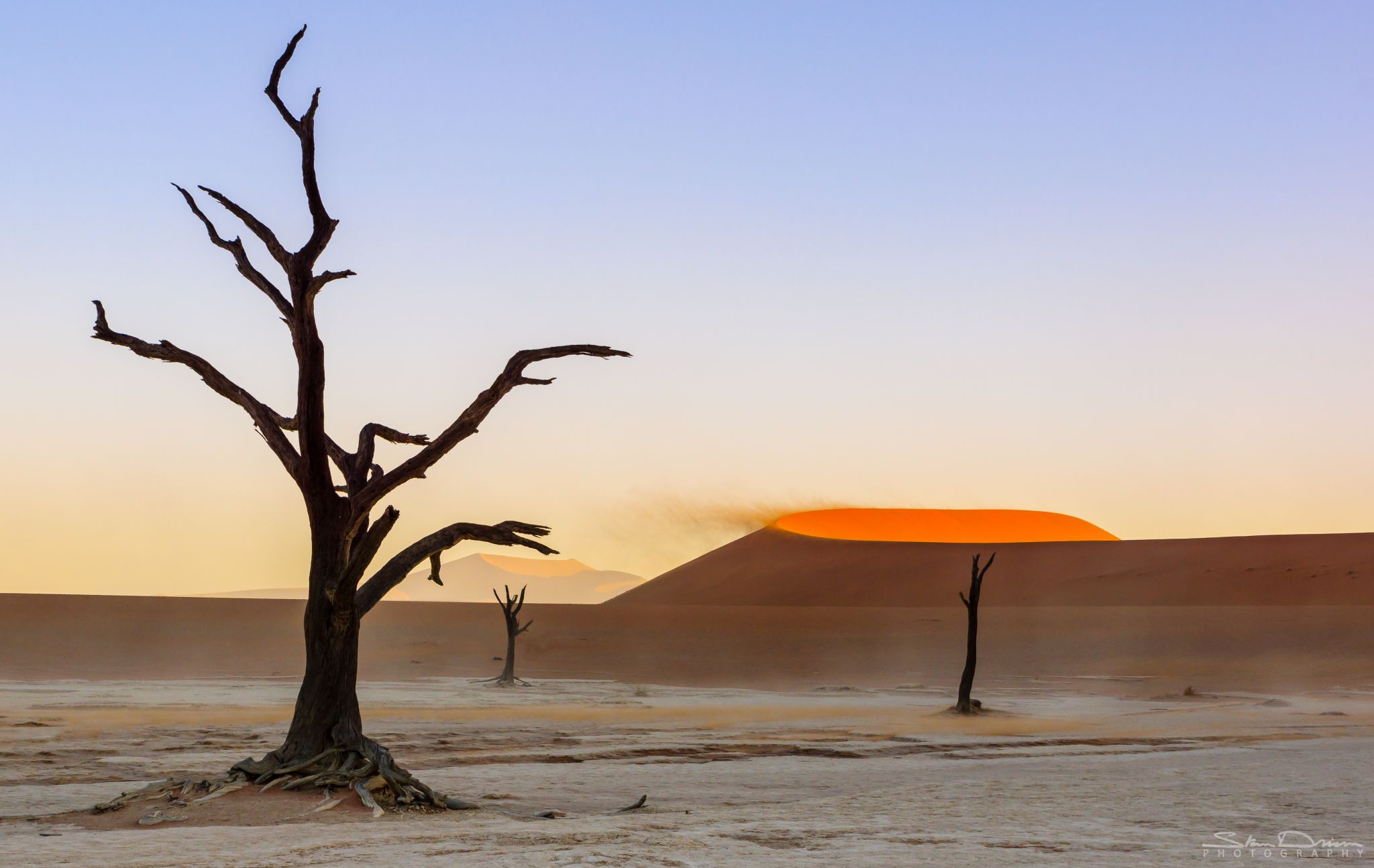 Windy Deadvlei, Namibia