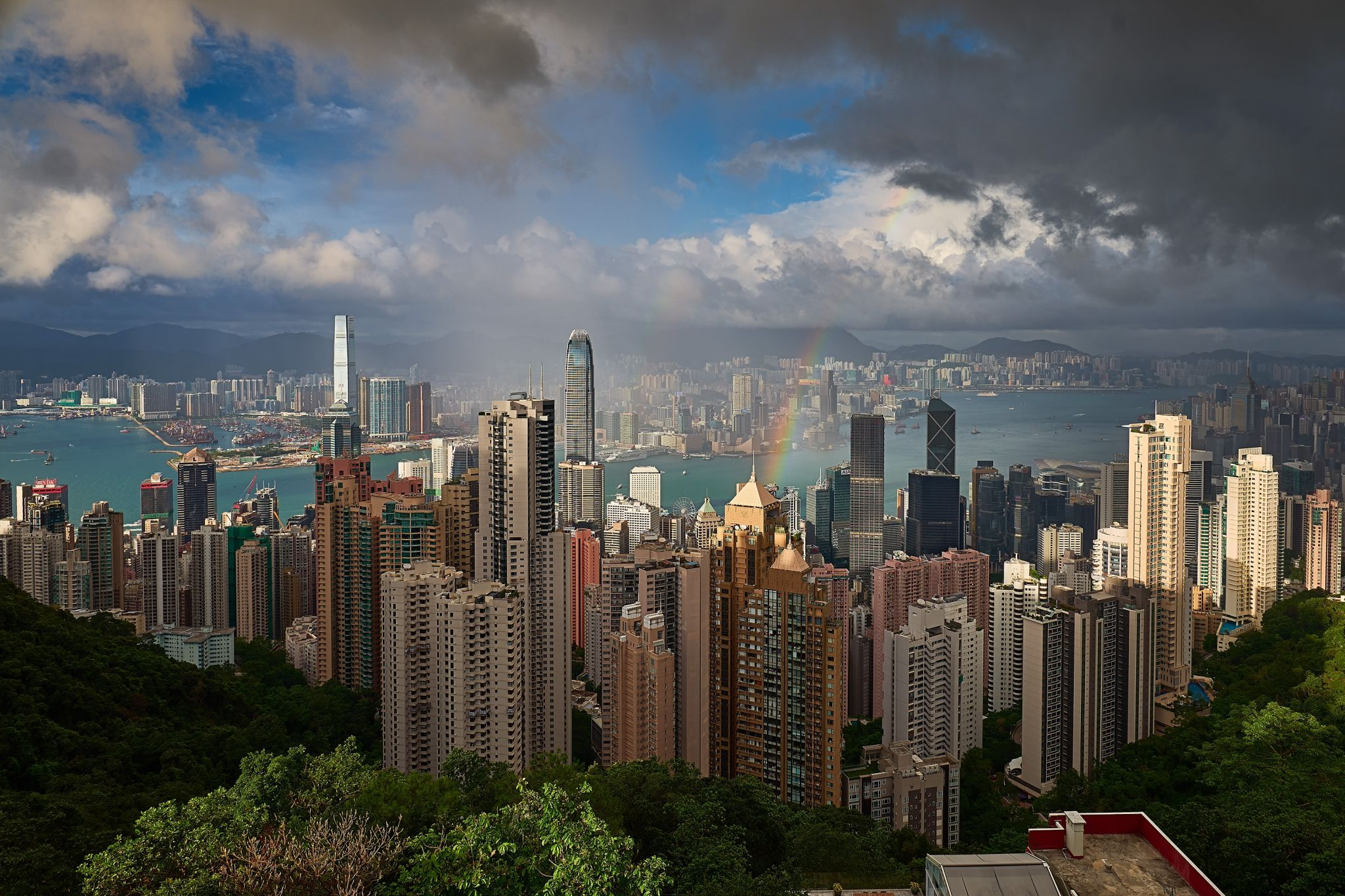 Somewhere over the rainbow, Hong Kong
