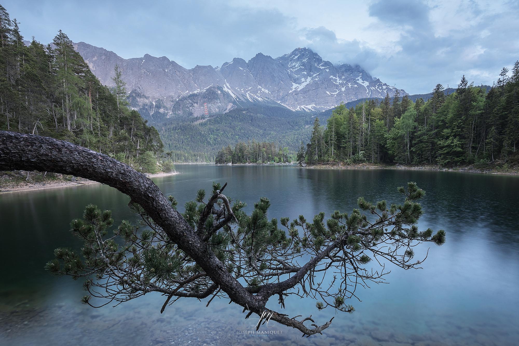 Eibsee mit der Zugspitze, Germany