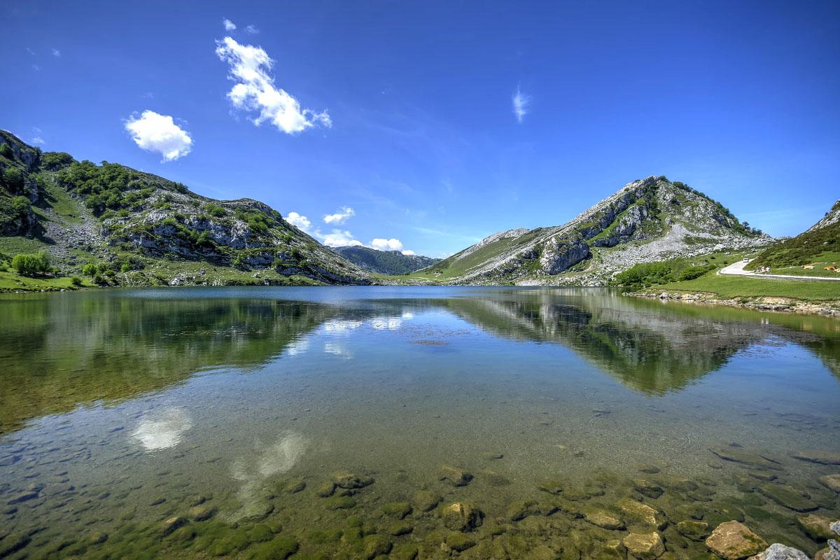 Lago de Enol, Spain