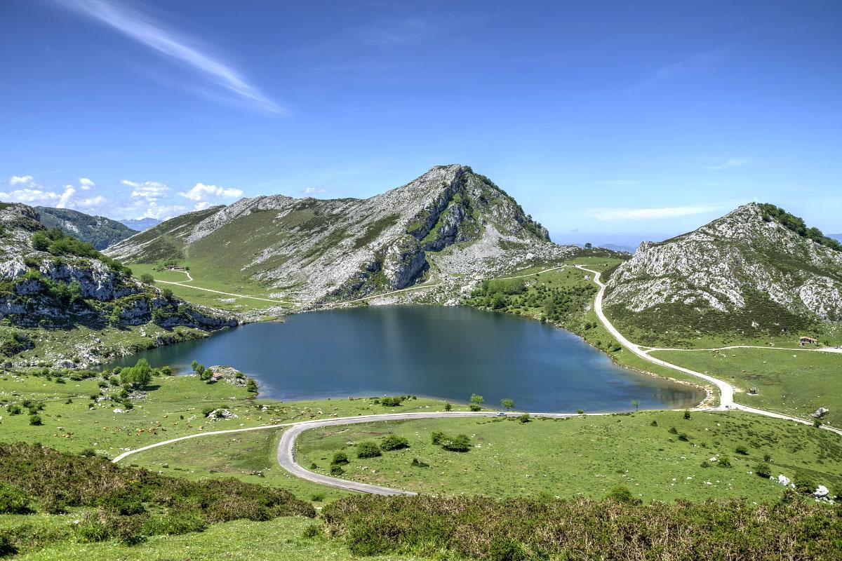 Lago de Enol y Lago de Ercina, Spain