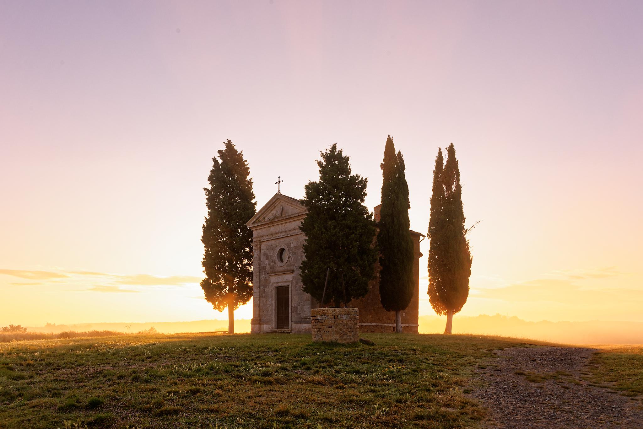 Cappella Madonna di Vitaleta at sunrise, Italy