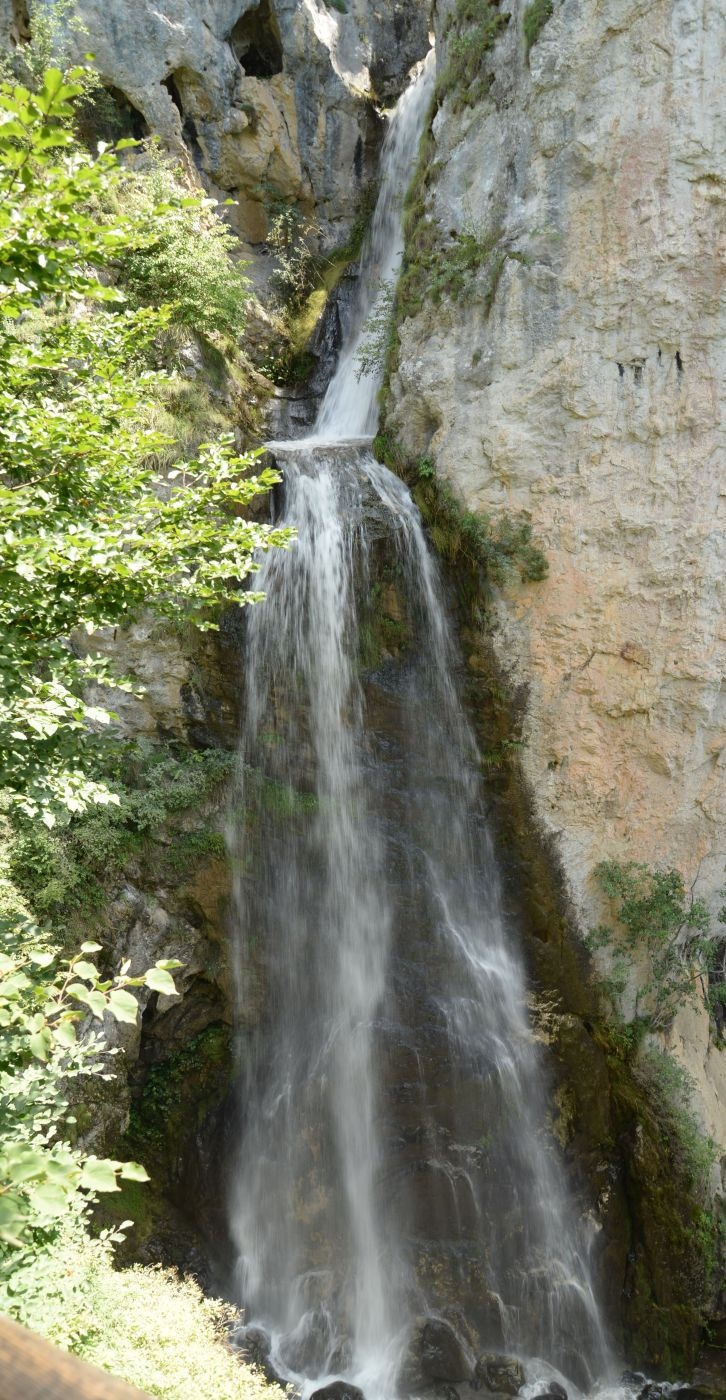 Vanatarile Ponorului waterfall, Romania