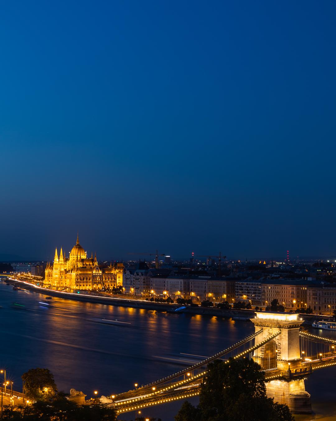 Chain Bridge, Parliament and St. Stephans Basilika, Hungary