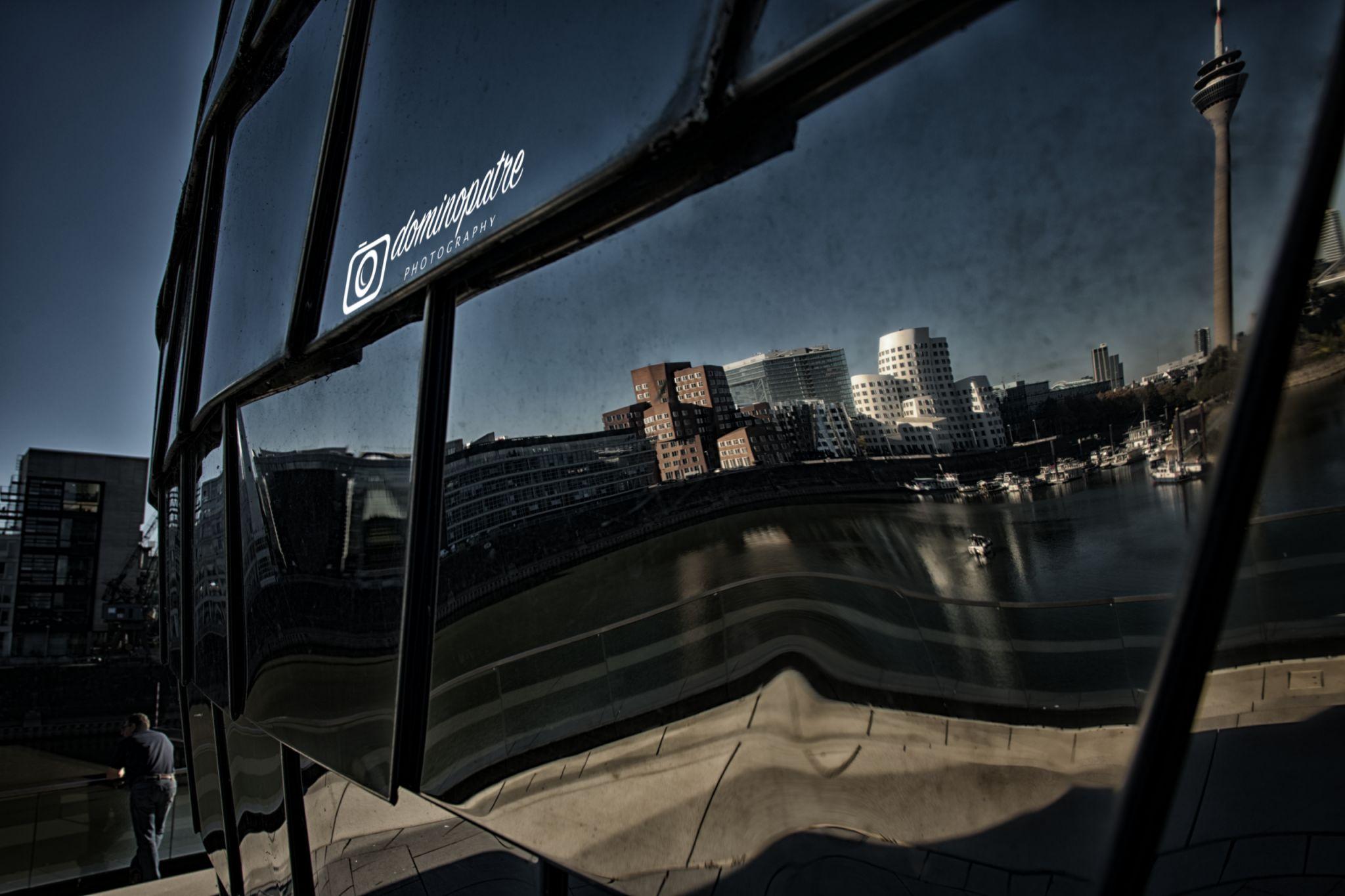 Pebble's Terrasse im Medienhafen Düsseldorf, Germany