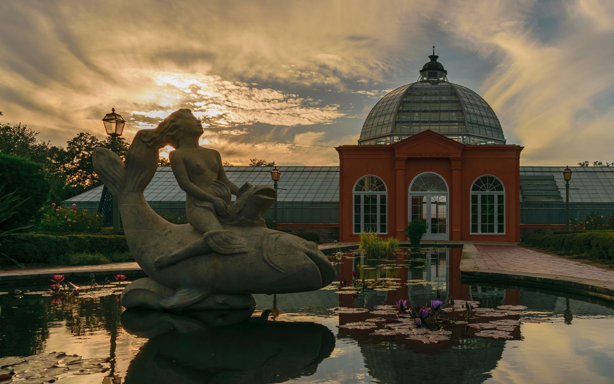 The Conservatory of the Two Sisters, USA