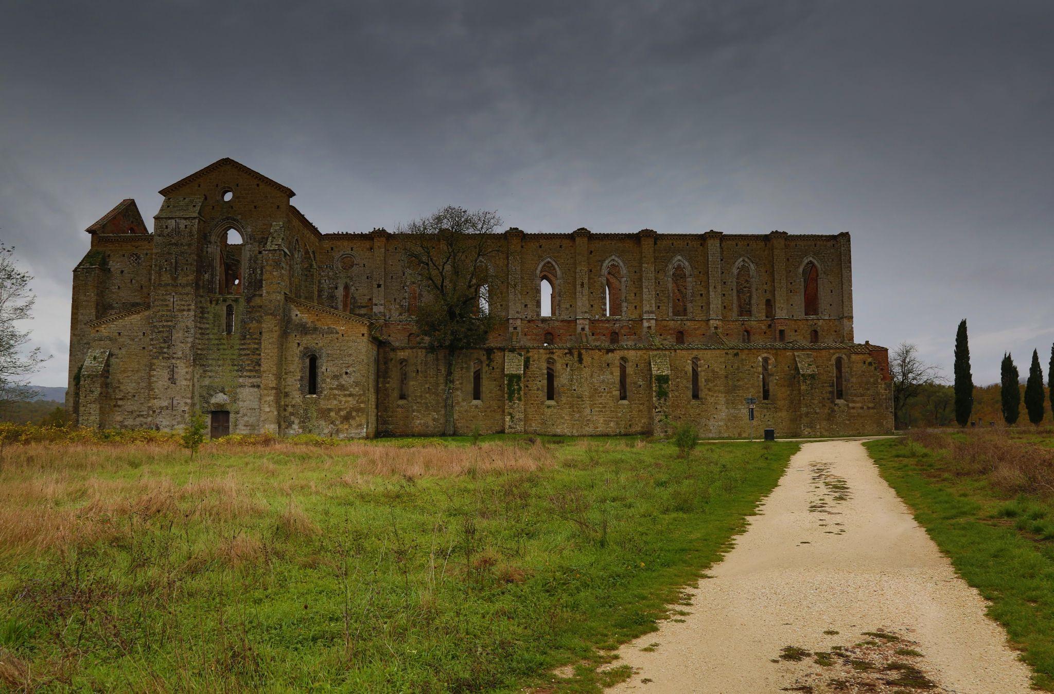Abbazia San Galgano - Tuscany, Italy