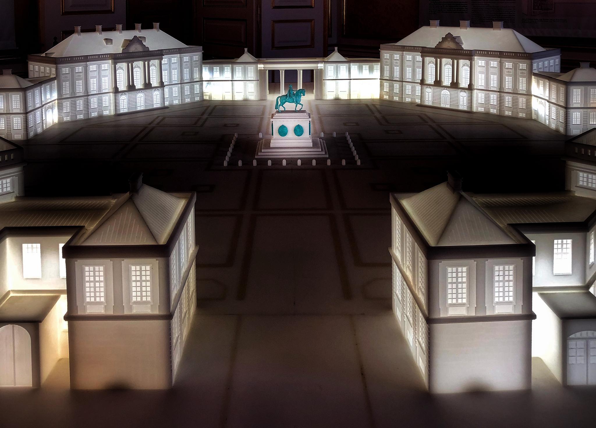 Amalienborg slotsplads model, Denmark