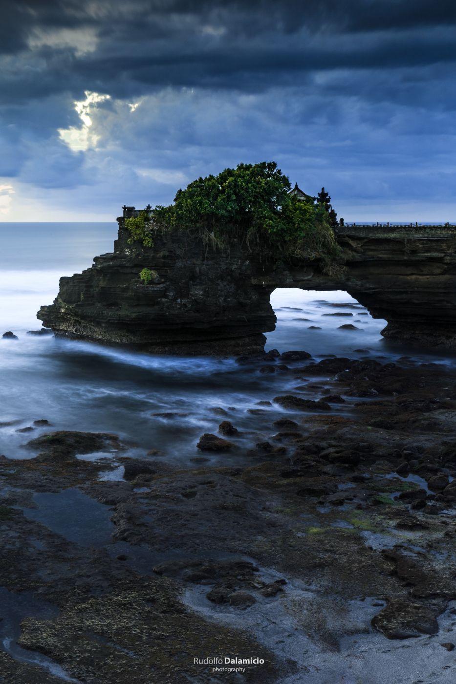 Batu Bolong Bali, Indonesia